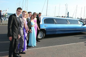 Carter Community School Prom arriving with Limousine
