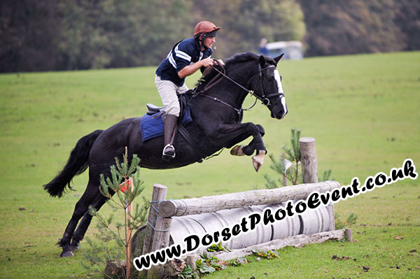 Lulworth Equestrian Centre - Hunter Trial